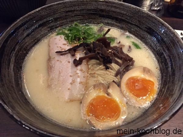 besuch-beim-japaner-soja-eier-suppe-1